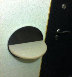 Удобная полочка перед входной дверью
