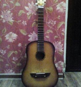 Гитара шестиструнная.