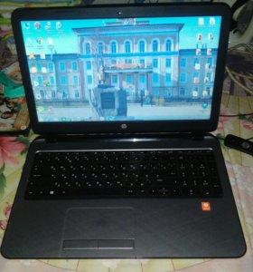 Ноутбук, мышка и модем