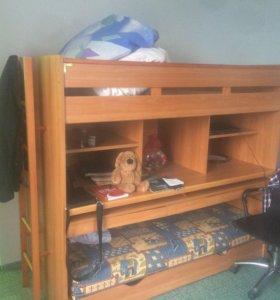 Двухъярусная кровать с письменным столом