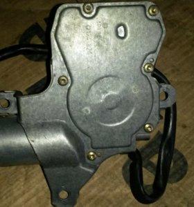 мотор стеклоочистителя задний мерседес 124 86-96 у