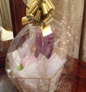 Подарочная корзина из пяти продуктов от AWON