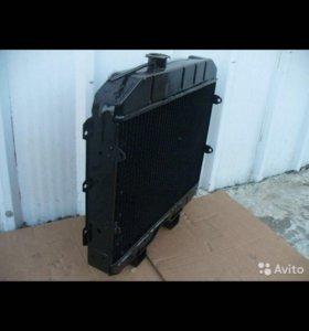 Продаю новый радиатор УАЗ