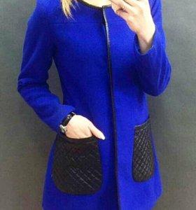 Пальто синее и черное