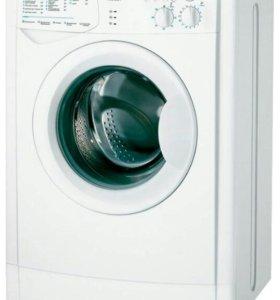Стиральная машина  Indesit   WIUN 105