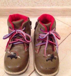 Демисезонные ботинки, размер 28