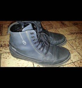 Кожаные Зимние ботинки на меху 42р
