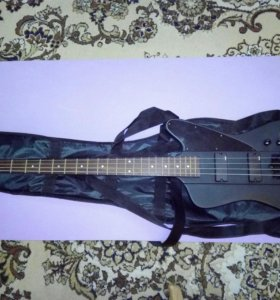Бас гитара с чехлом