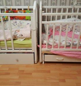 Две кроватки маятник