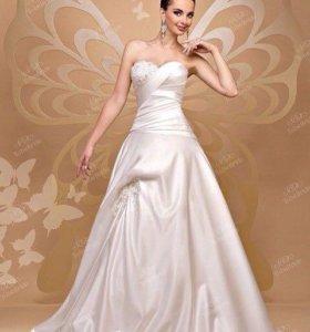 Свадебное платье To be Bright со шлейфом