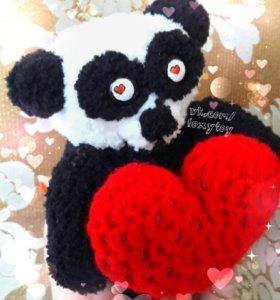Панда с сердцем ко Дню Святого Валентина