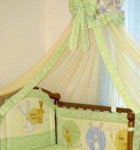 (Новый) Комплект в детскую кроватку