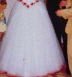 Платье свадебное ,продаю недорого