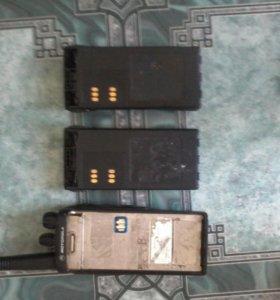 Рация motorola GP340 с двумя батареями