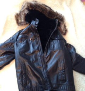 Куртка кожаная мужская размер 50. Капюшон с мехом