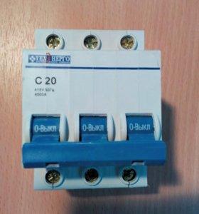 Выключатель автоматический ВА67-29 3 фазный