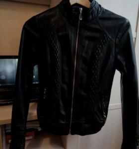 Куртка кожзам  размер 42