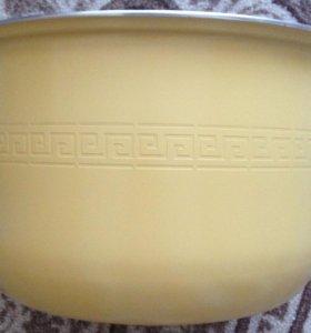 Продам новую керамическую чашу Redmond