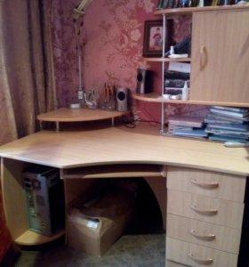 Комьютерный стол