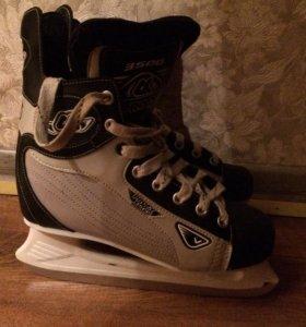 Хоккейные коньки PROFY 3500