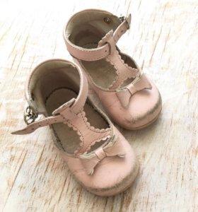 Кожаные туфельки jacadi на первые шаги