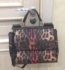 Леопардовая сумочка с ремешком