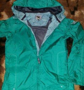 Куртка лёгкая для мальчика. Рост 152.