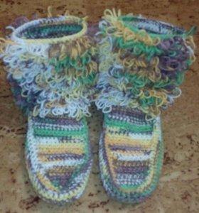 Вязаная обувь для дома (сапожки, кеды, мокасины)