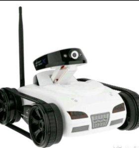 Радиоуправляемый танк-шпион с видеокамерой i-spy