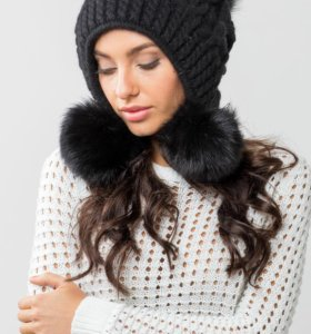 Очень красивая шапка Moltini