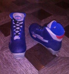 Лыжные ботинки р-р. 35
