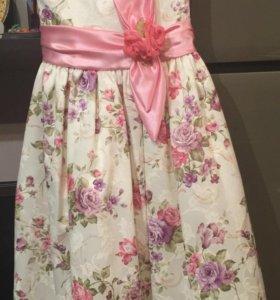 Платье на праздник р.8-10лет