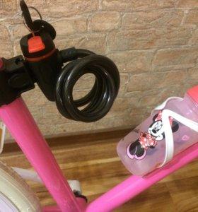 Красивый Розовый Велосипед