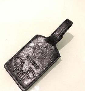 Бирка DvF STUDIO для багажа