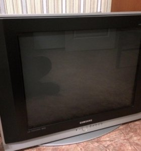 Телевизор Samsung диагональ 72 см.