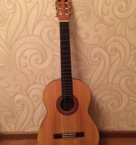 Гитара YAMAHA C40M (классическая, акустическая)