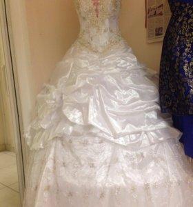Свадебные платья в ассортименте:продам или аренда