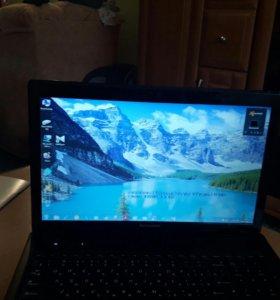 Ноутбук LENOVO.