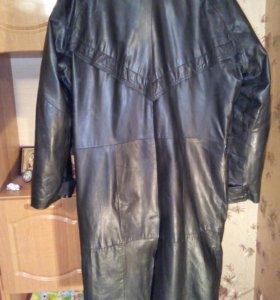 Продается мужской кожаный плащ