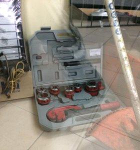 набор зубр для нарезания резьбы на трубах