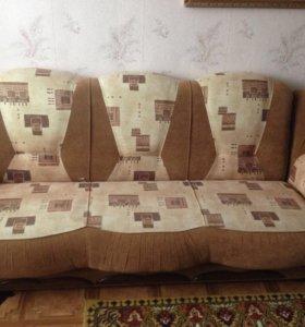 Продаю диван и два кресла.