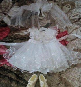 Платье, фата и туфельки