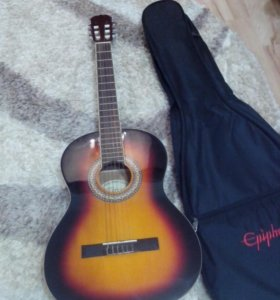 Новая гитара с чехлом)