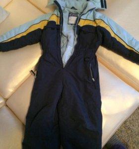 Продам зимнюю куртку на мальчика 5-6 лет