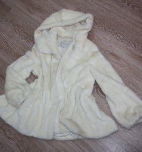 Шуба норковая белая с капюшоном