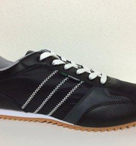 Новые кроссовки Strobbs черные