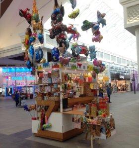 Торговая точка конфет, шаров и упаковки