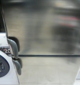 Холодильник electrolux er8497BX