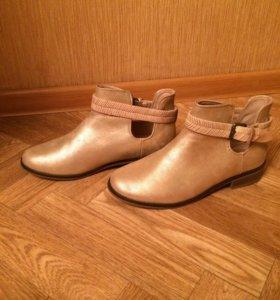 Ботинки  новые весенние