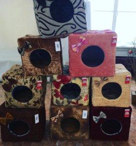 Домики и лежанки для животных